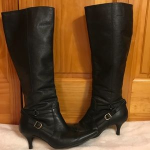 Gorgeous Black Leather Boots Like New!